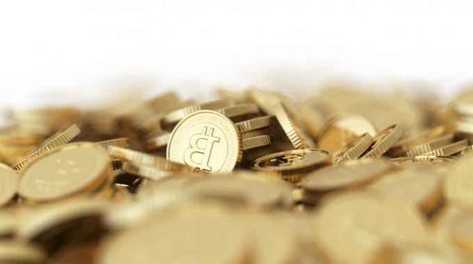 Benefits and Risks of Using Bitcoins as Currency